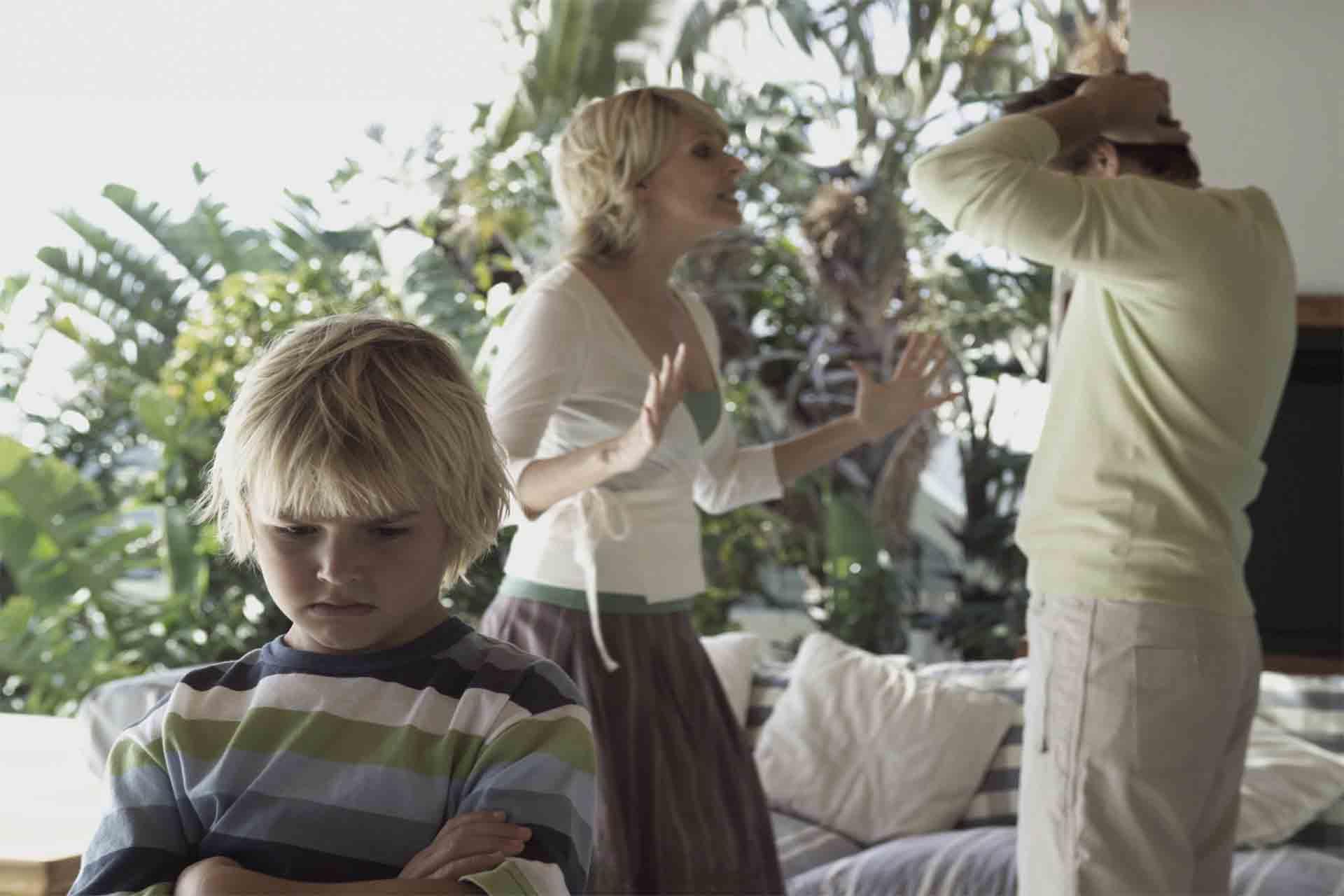 Мама ненавидит отца. Как помочь родителям?