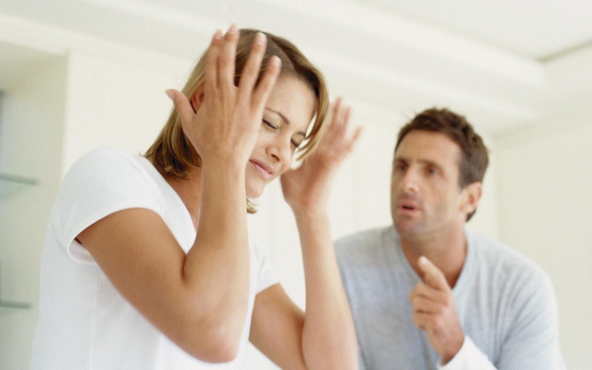 Причины агрессии мужа к жене