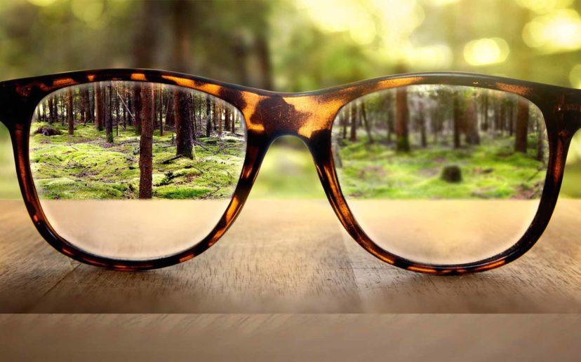 Падает зрение на правый глаз
